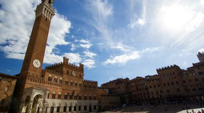 Piazza del Campo metà del tour Volterra, San Gimignano, Monteriggioni, Siena
